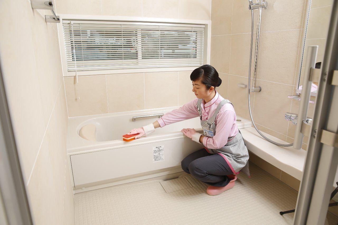 頑固な湯アカや石けんカス、カビまで除去洗面器などの備品までキレイに仕上げます
